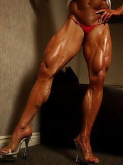 SheMuscle featuring Angela Salvagno